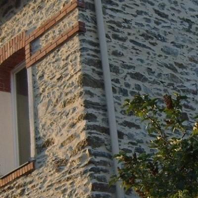 pierre boiserie ravalement batiment ancien renovation chaux enduit nantes centre brique entreprise david renovation immobilière tous droits réservés