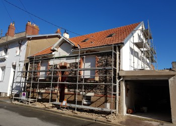 pierre piquetage tuffeau enduit peinture ciment maçonnerie étanchéité chaux entreprise david rénovation maison batiment ancien tous droits réservés