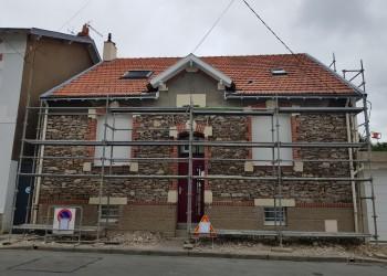 pierre piquetage tuffeau façade enduit peinture ciment maçonnerie étanchéité chaux entreprise david rénovation maison batiment ancien tous droits réservés