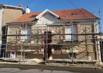 pierre piquetage tuffeau enduit peinture ciment maçonnerie étanchéité chaux jointement entreprise david rénovation maison batiment ancien tous droits réservés