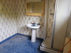 Salle de bain douche italienne caniveau faience carrelage rénovation SDB ent david treillières nantes 13/07/2018