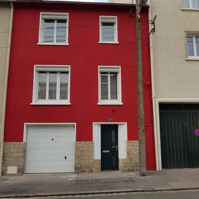 coueron peinture ravalement nantes chalatres entreprise david renovation immobiliere coueron enduit rouge vif cassis